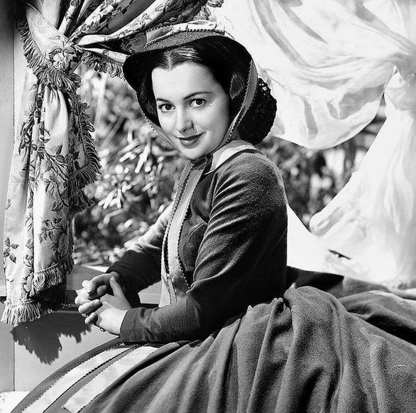 Olivia de Havilland - nữ diễn viên Cuốn theo chiều gió qua đời ở tuổi 104 - 2