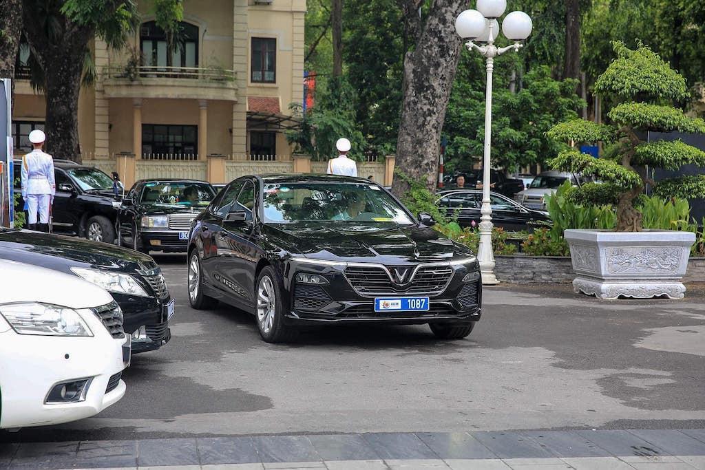 Dàn xe VinFast Lux A 2.0 phục vụ Hội nghị cấp cao ASEAN - 1