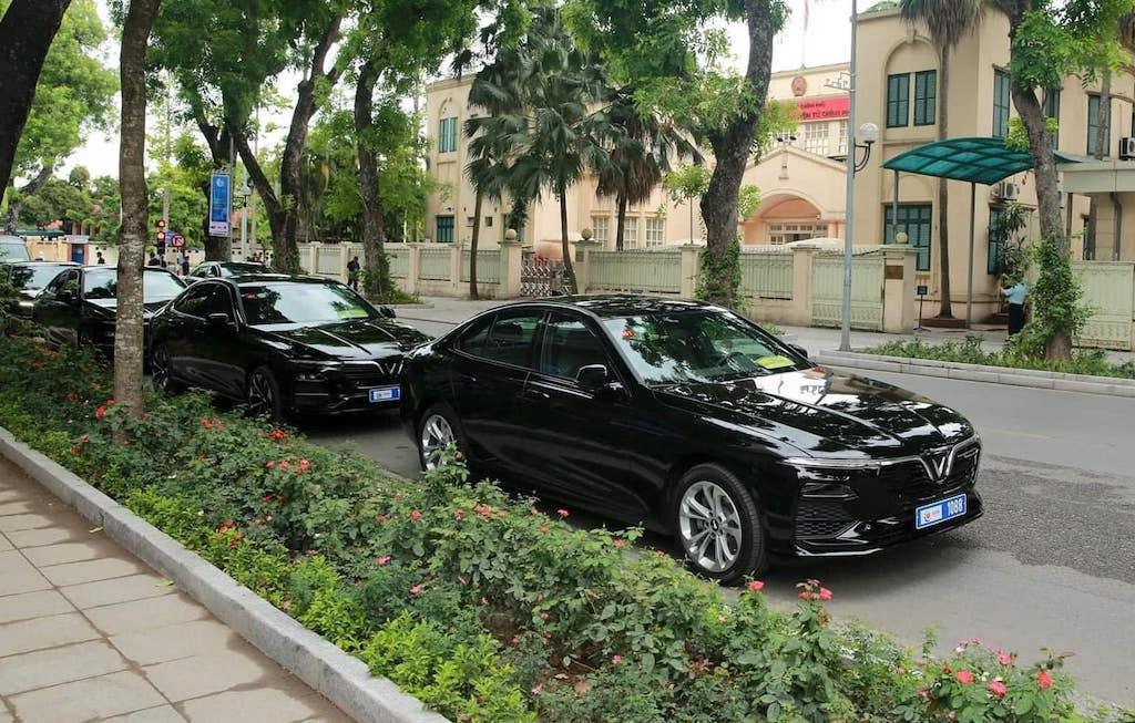 Dàn xe VinFast Lux A 2.0 phục vụ Hội nghị cấp cao ASEAN - 2
