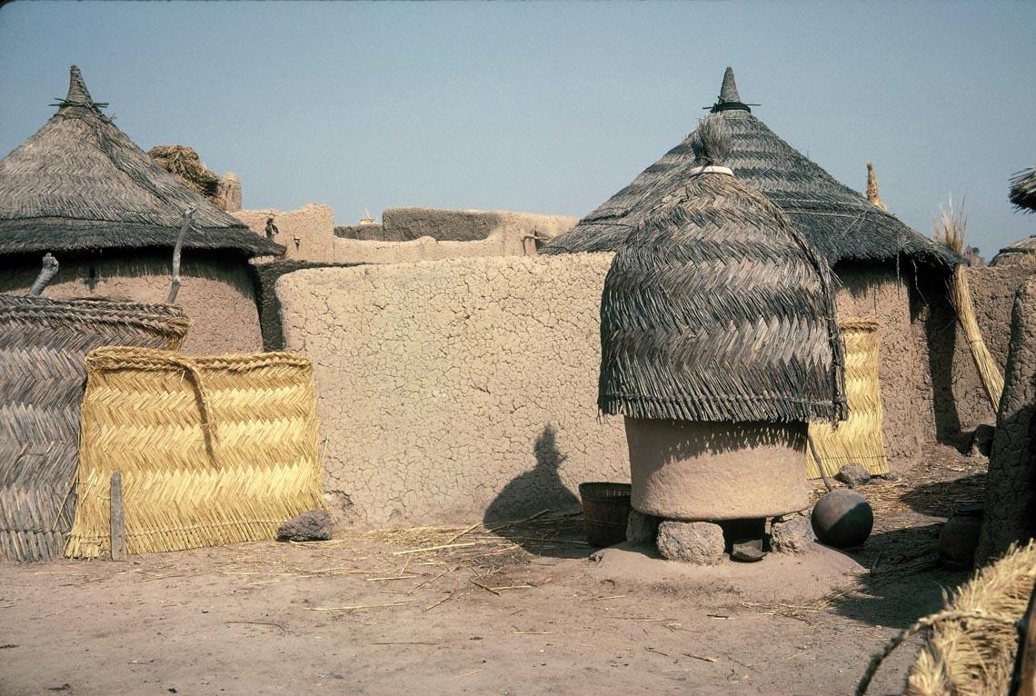 Giản dị mà bền vững lều dân gian châu Phi -9