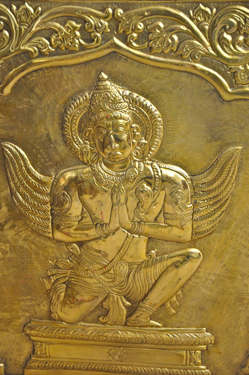 Nghệ thuật chạm rập nổi kim loại của Ấn Độ -4