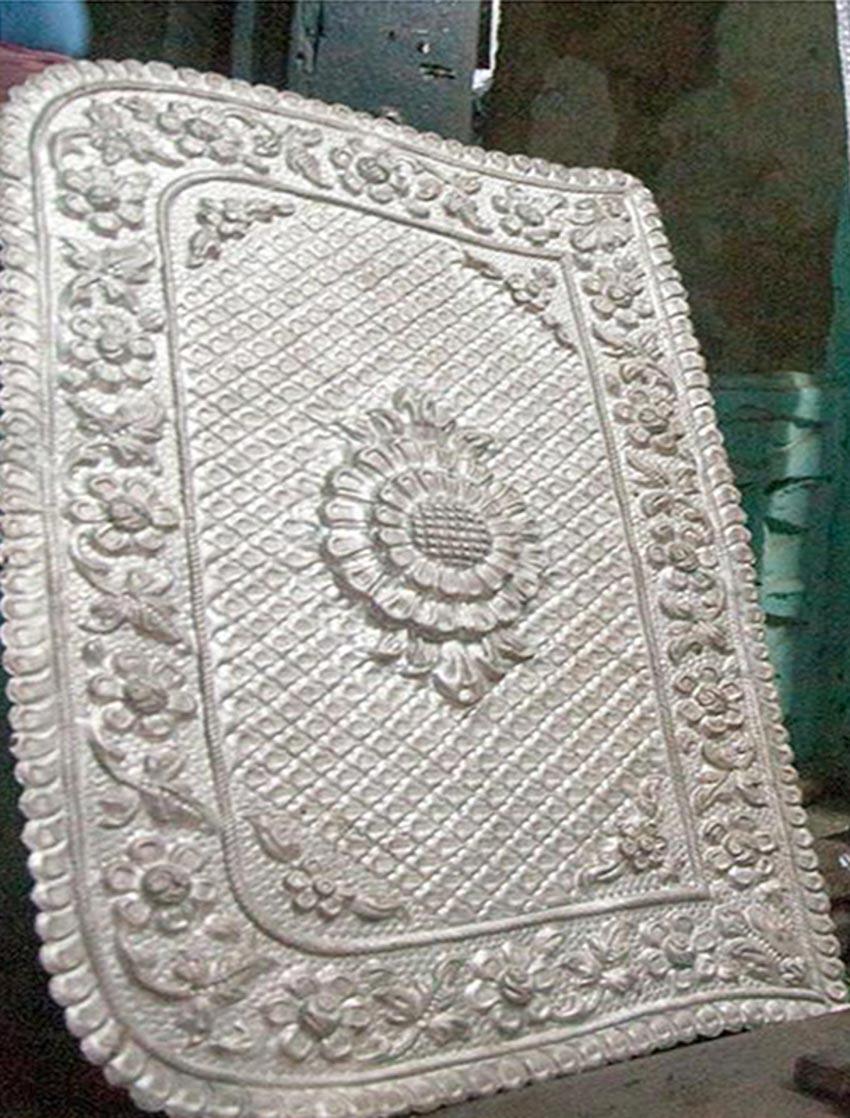 Nghệ thuật chạm rập nổi kim loại của Ấn Độ -14