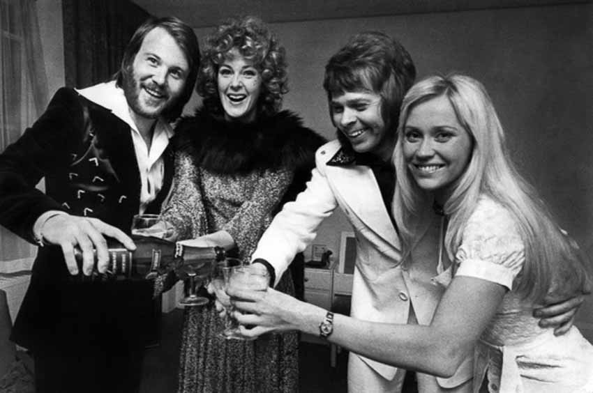 Nhóm nhạc ABBA quay trở lại và phát hành bài hát vào năm tới - 5