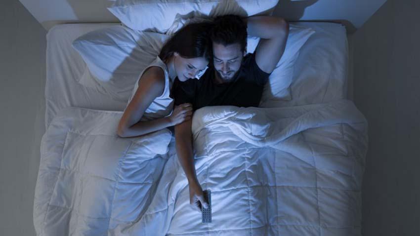 Những đôi lứa hạnh phúc thường làm gì trước giờ đi ngủ? -7