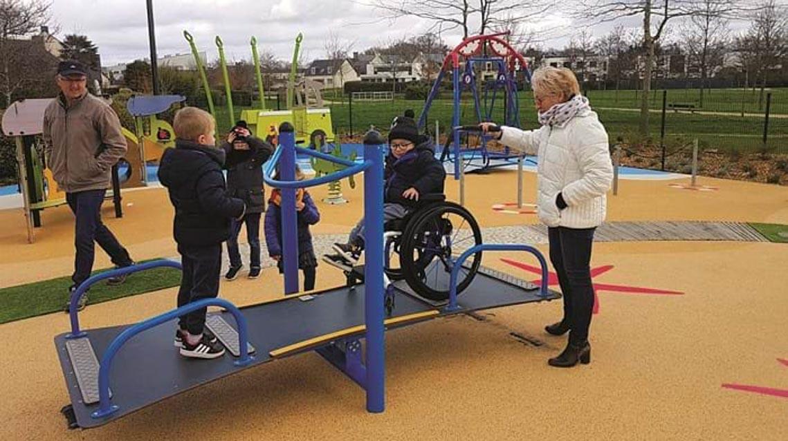 'Chỗ chơi' nơi đô thị: Sân chơi cho trẻ, từ hình khối đến sắc màu -5