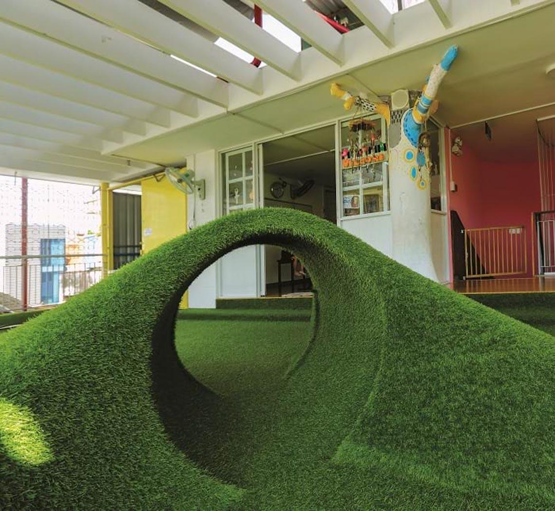 'Chỗ chơi' nơi đô thị: Sân chơi cho trẻ, từ hình khối đến sắc màu -13