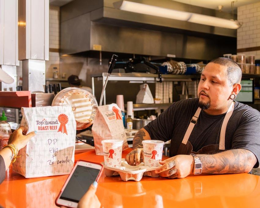 Sự trỗi dậy của 'nhà hàng ảo' và 'nhà bếp ma' -1