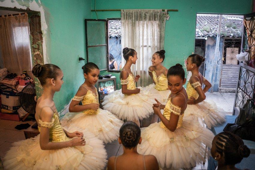 Vũ điệu ballet trong khu ổ chuột -6