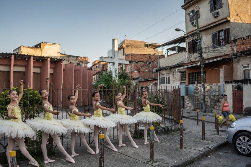 Vũ điệu ballet trong khu ổ chuột -8