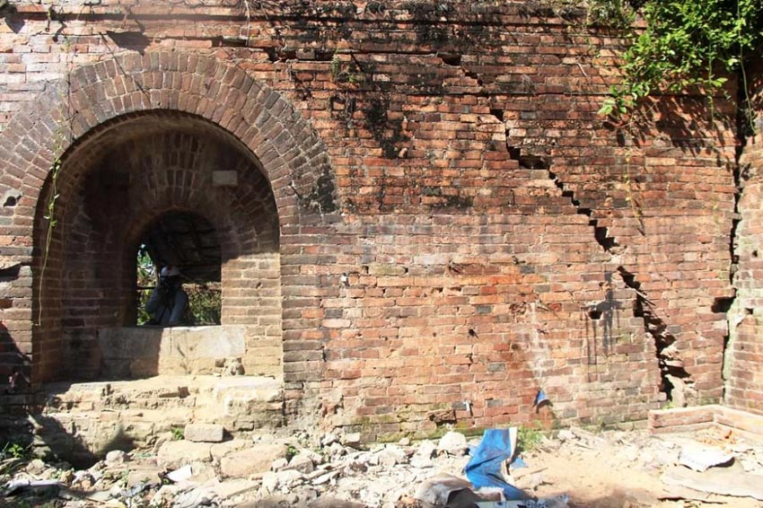 Xuất lộ hai chiếc cổng độc đáo trong khu Thượng thành Huế -2