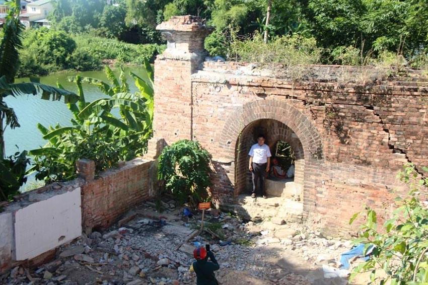 Xuất lộ hai chiếc cổng độc đáo trong khu Thượng thành Huế -6