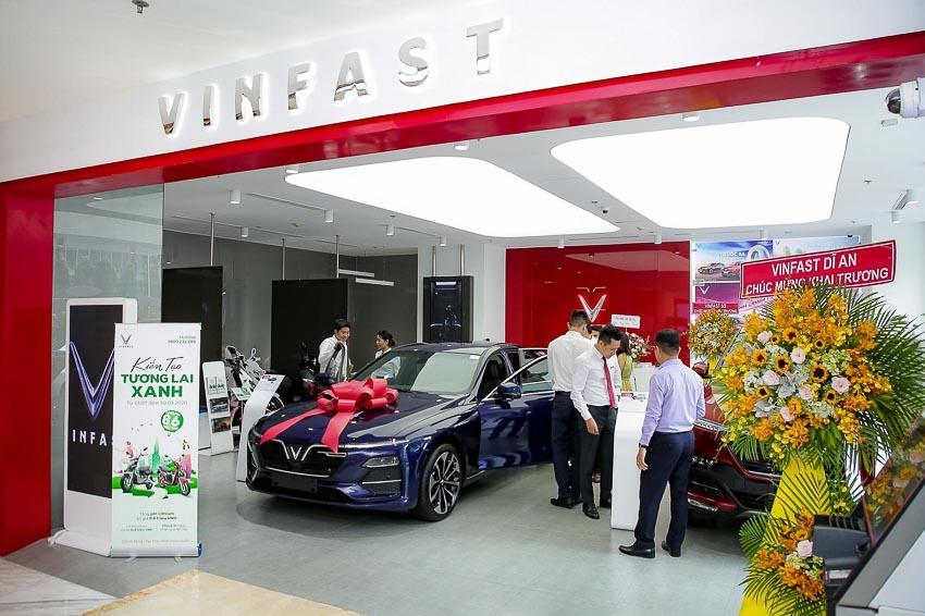 VinFast đồng loạt khai trương 27 showroom mới trên toàn quốc - 4
