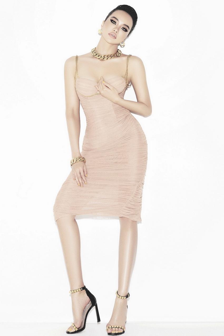 """Én vàng- hoa hậu Kiều Ngân """"bán nude"""" trong bộ ảnh mới cùng thiết kế của Chung Thanh Phong 05"""