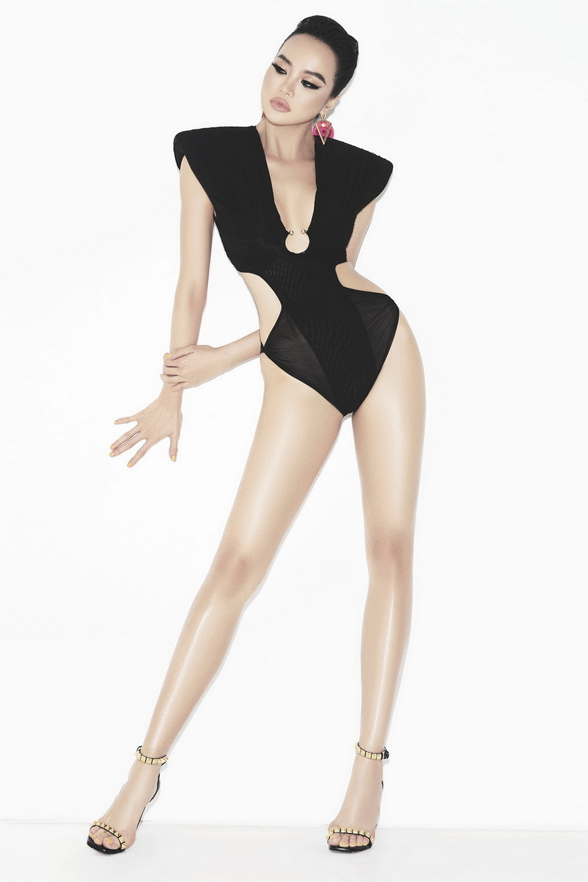 """Én vàng- hoa hậu Kiều Ngân """"bán nude"""" trong bộ ảnh mới cùng thiết kế của Chung Thanh Phong 06"""