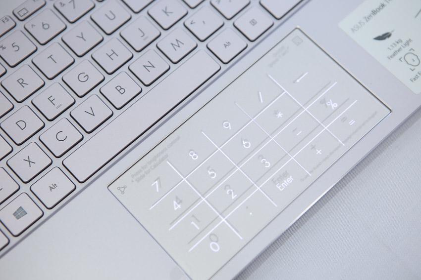 ASUS giới thiệu ZenBook 14 UX425, laptop 14-inch mỏng nhất thế giới với đầy đủ cổng kết nối - 13
