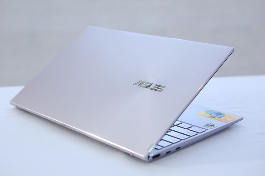 ASUS giới thiệu ZenBook 14 UX425, laptop 14-inch mỏng nhất thế giới với đầy đủ cổng kết nối - 6