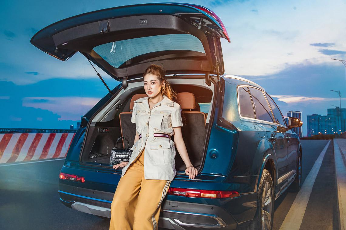 Á hậu Dương Tú Anh rực rỡ bên Audi Q7 vừa ra mắt tại Việt Nam - 4