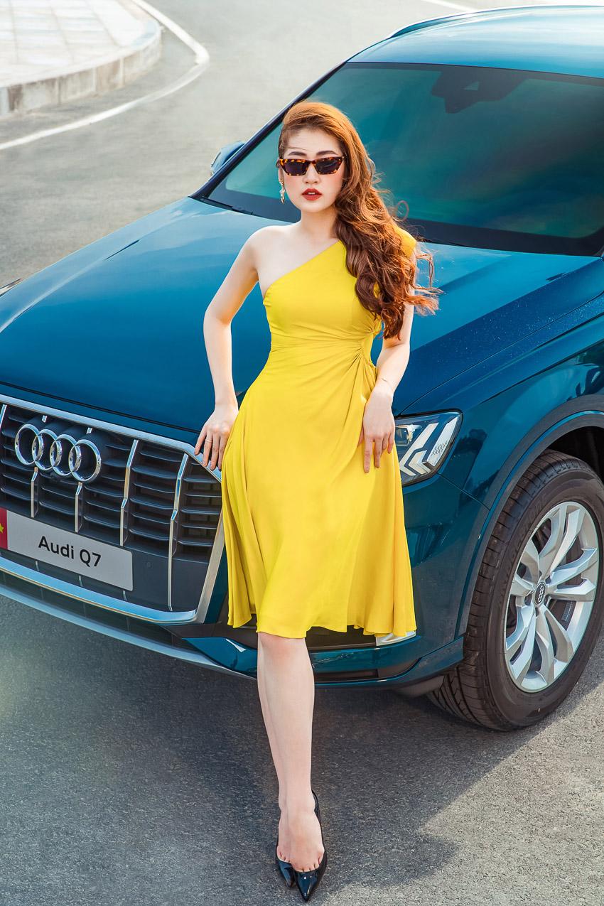 Á hậu Dương Tú Anh rực rỡ bên Audi Q7 vừa ra mắt tại Việt Nam - 1