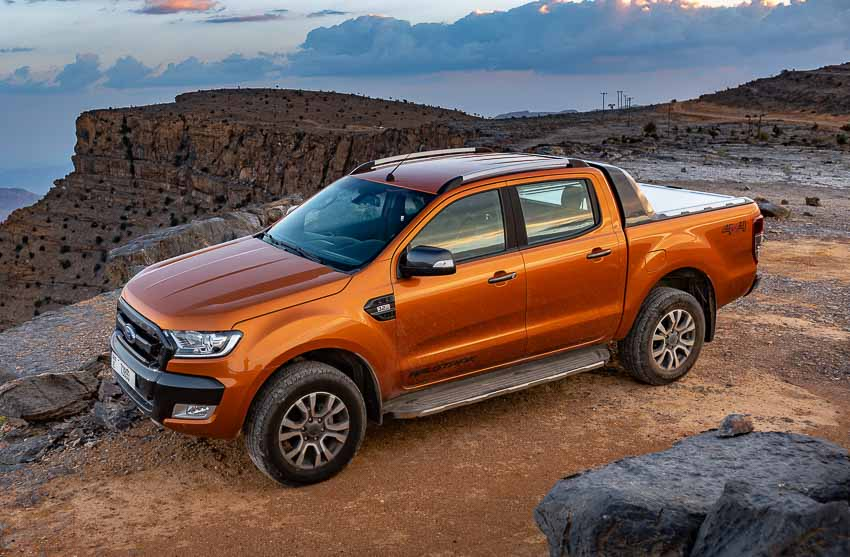 d Everest dẫn đầu doanh số phân khúc SUV hạng trung tháng 7/2020 - 2