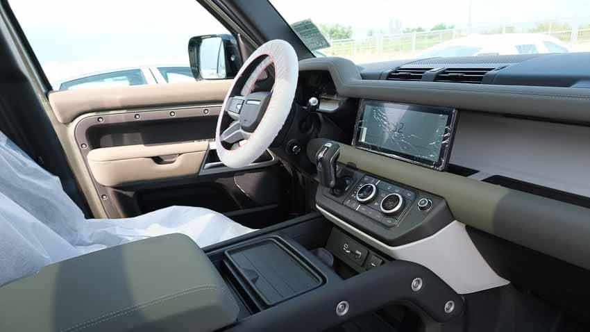 Land Rover Defender mới đã xuất hiện tại Việt Nam - 11