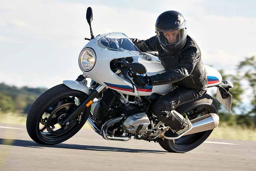 BMW Motorrad công bố giá mới giảm gần 100 triệu cho xe phân khối lớn - 11