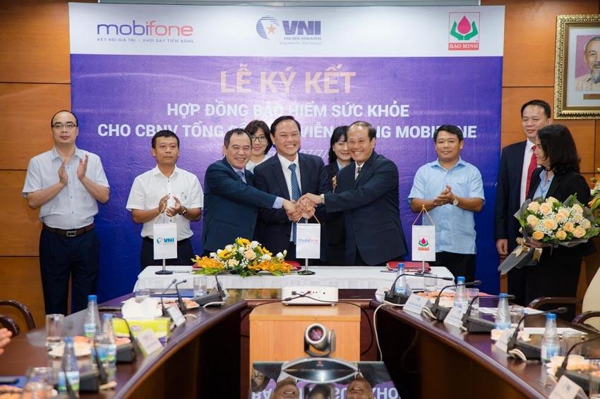 VNI, Bảo Minh và MobiFone ký kết hợp đồng bảo hiểm sức khỏe -1