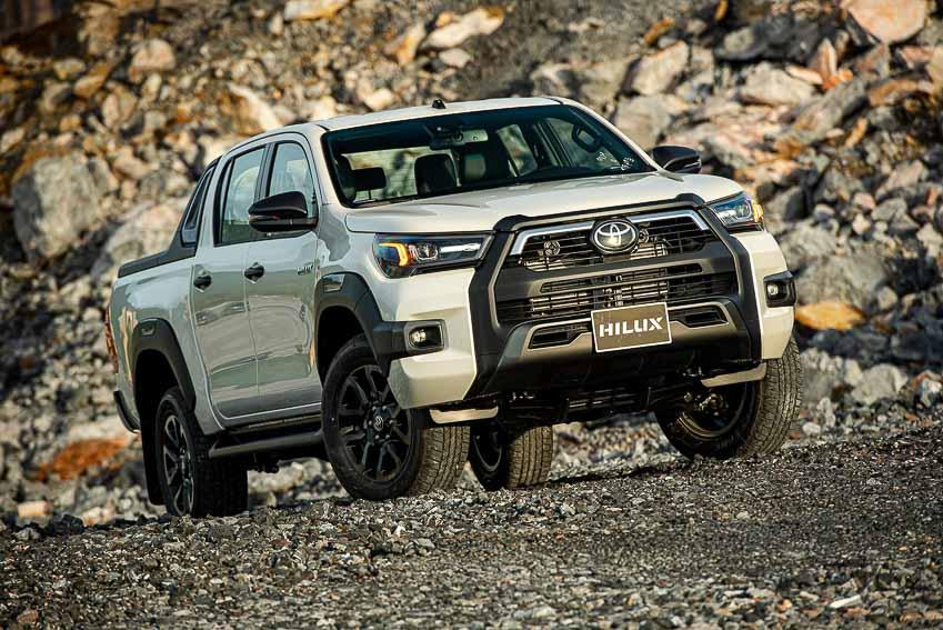 Toyota Hilux 2020 cải tiến thiết kế, công nghệ an toàn vận hành và tiện nghi 12