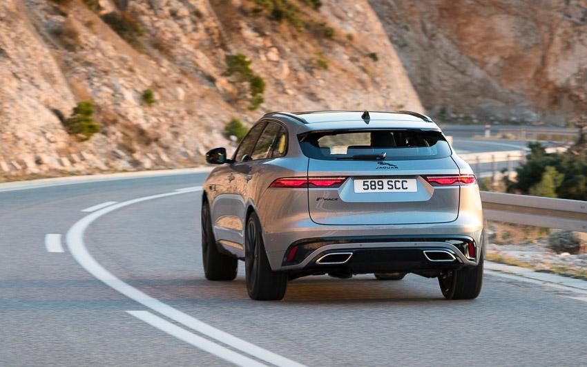 Jaguar F-PACE mới: thiết kế sang trọng, luôn kết nối, xe lai điện - 1