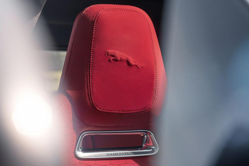 Jaguar F-PACE mới: thiết kế sang trọng, luôn kết nối, xe lai điện - 19