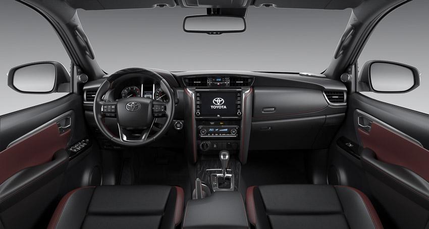 Toyota Fortuner Legender 2020 có giá 1,434 tỉ đồng tại Việt Nam
