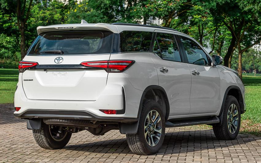 Toyota Fortuner Legender 2020 có giá 1,434 tỉ đồng tại Việt Nam - 17
