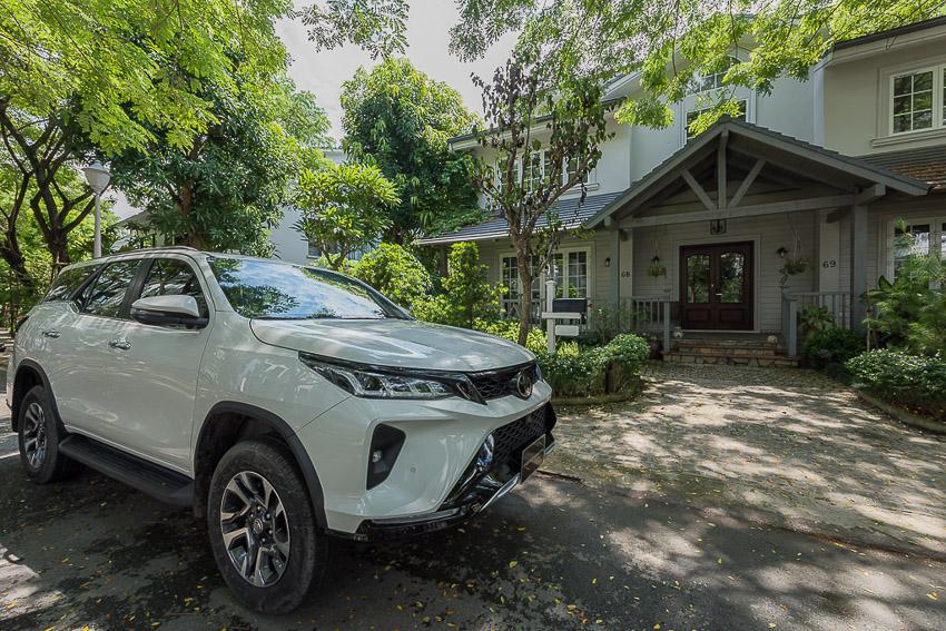 Toyota Fortuner Legender 2020 có giá 1,434 tỉ đồng tại Việt Nam - 31