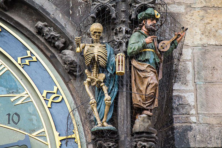 Đồng hồ thiên văn ở Praha và nghi thức chuyển giờ kỳ lạ - 11