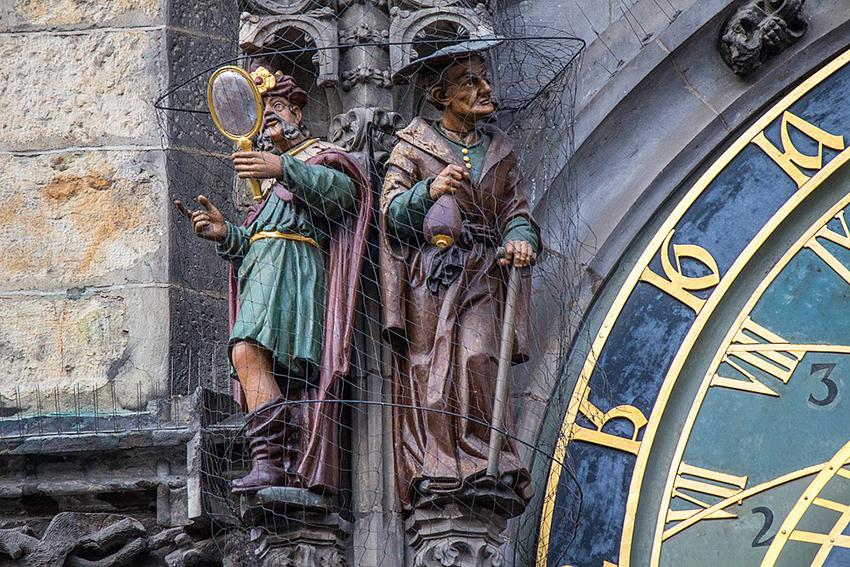 Đồng hồ thiên văn ở Praha và nghi thức chuyển giờ kỳ lạ - 13