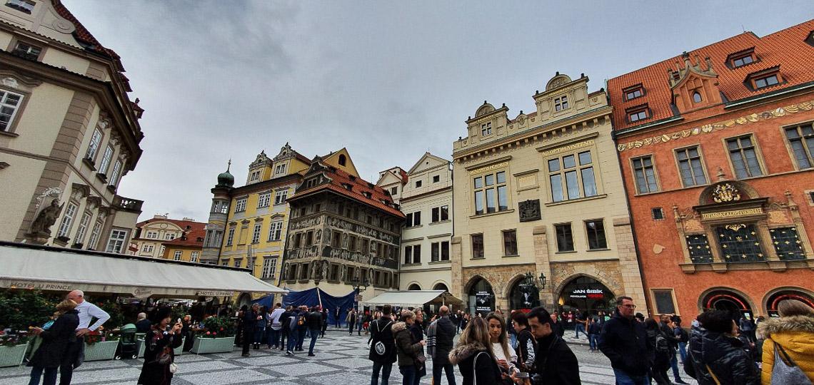 Đồng hồ thiên văn ở Praha và nghi thức chuyển giờ kỳ lạ - 08