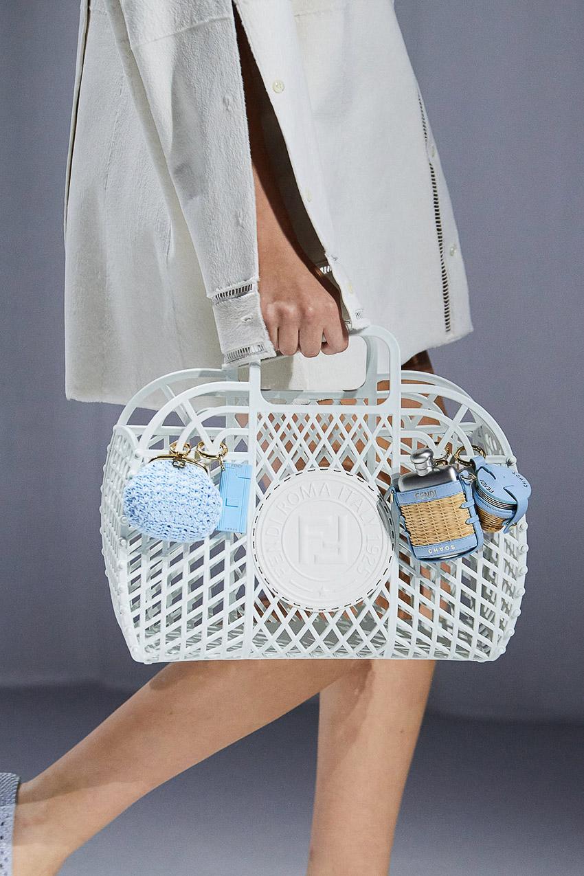 Những mẫu túi xách gây bão xu hướng trên sàn diễn Fendi Xuân-Hè 2021 - 26