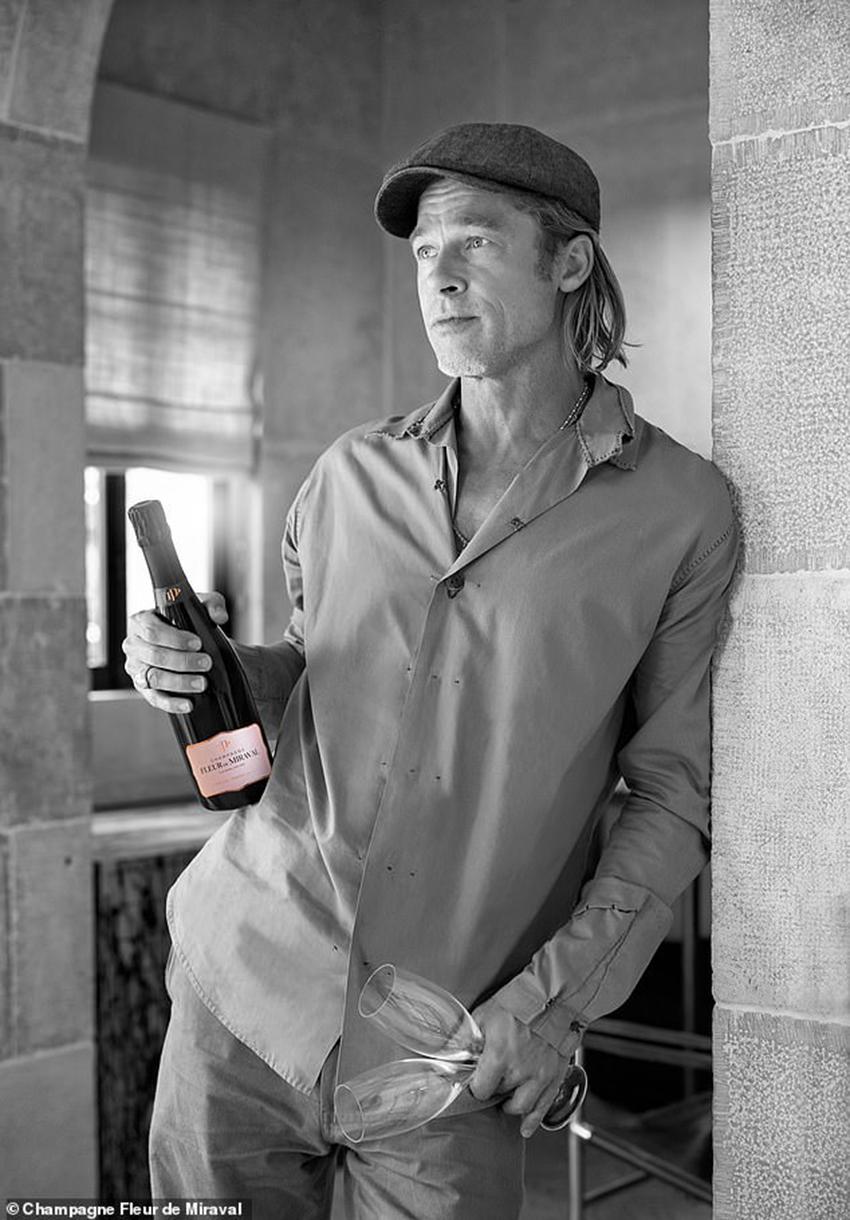 """Brad Pitt ra mắt chai Champagne Rosé """"nhà làm"""" sau gần 4 năm ấp ủ - 3"""
