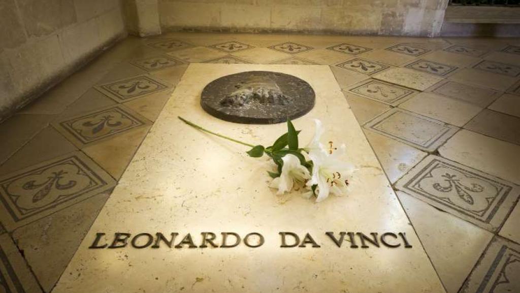 Ngôi mộ của Leonardo da Vinci tại lâu đài Amboise. ©Leonard de Serres