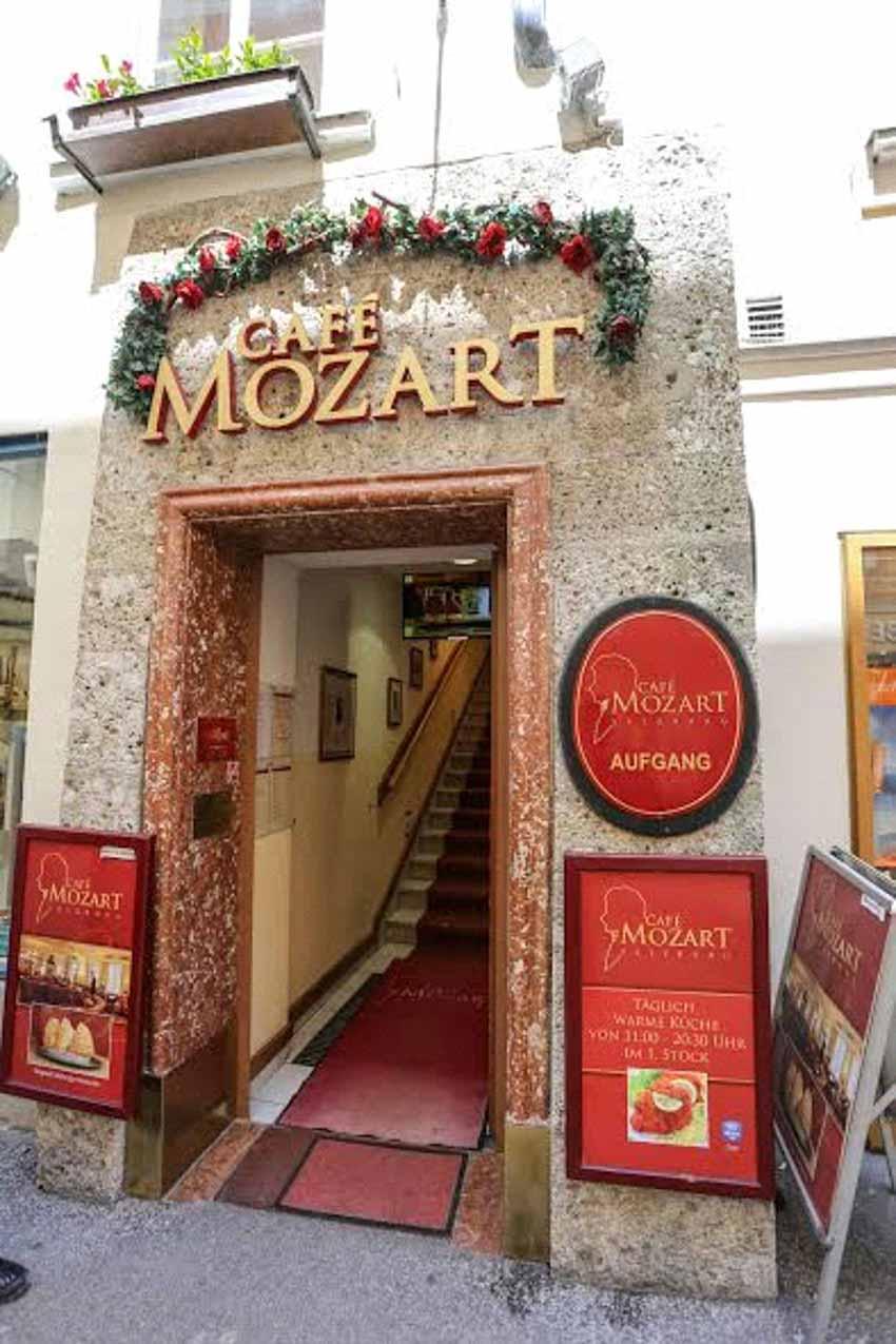 Thăm nhà lưu niệmnhạc sĩ thiên tài Mozart -7