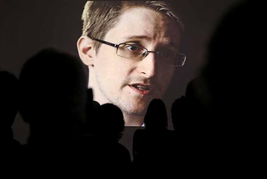Cựu điệp viên Mỹ Edward Snowden: 'Chúng ta đang chết đuối giữa biển thông tin!' -3