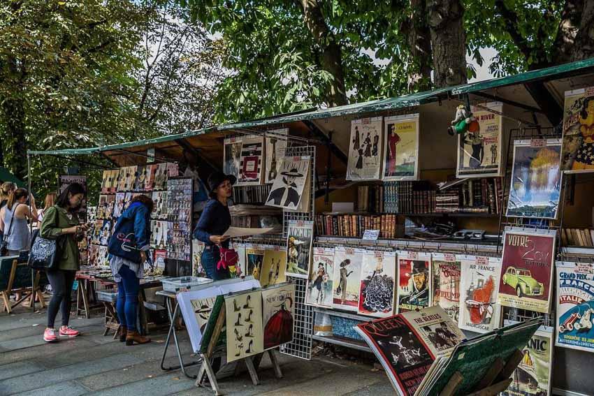 Phố bán sách cũ bên bờ sông Seine -2