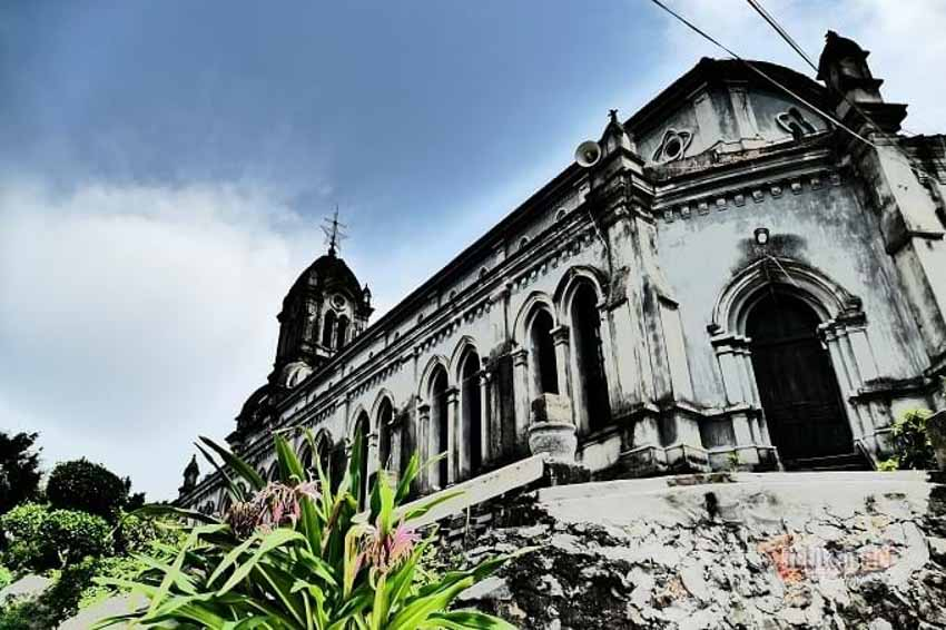 Chuyện chưa kể về nhà thờ hơn 100 tuổi nằm trên mỏm núi hình con rùa -6