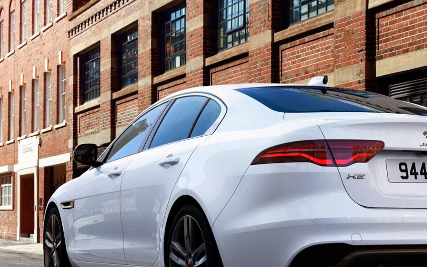 Jaguar XE: cập nhật các công nghệ được kết nối mới và công suất lai điện - 7