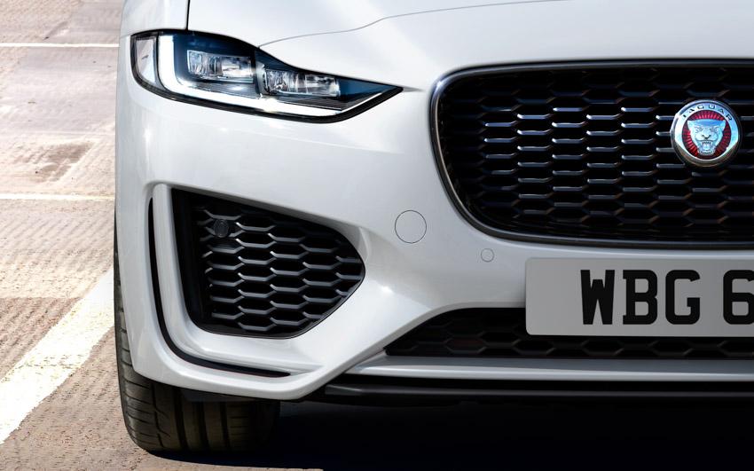 Jaguar XE: cập nhật các công nghệ được kết nối mới và công suất lai điện 17