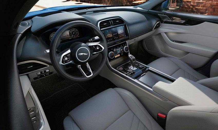 Jaguar XE: cập nhật các công nghệ được kết nối mới và công suất lai điện-19