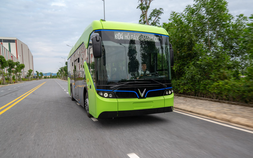 Vingroup chính thức chạy thử nghiệm xe buýt điện VinFast-6