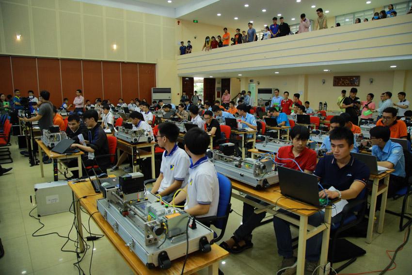 Sinh viên ngành Kỹ thuật sôi nổi hưởng ứng Cuộc thi Tự động hóa lần thứ 2 tại Việt Nam - 1
