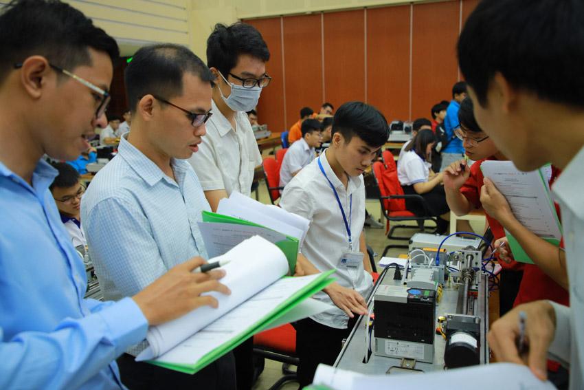 Sinh viên ngành Kỹ thuật sôi nổi hưởng ứng Cuộc thi Tự động hóa lần thứ 2 tại Việt Nam - 6