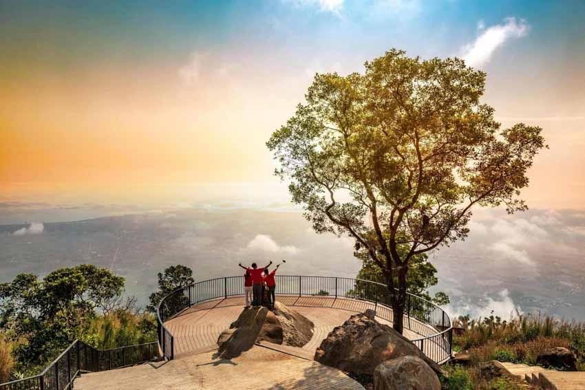Hé lộ lý do du khách nô nức đổ về Núi Bà Tây Ninh mùa trăng 2020 -8