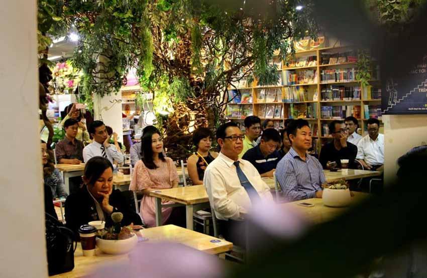 Thêm một không gian cà phê sách đặc biệt khai trương ở Sài Gòn -1